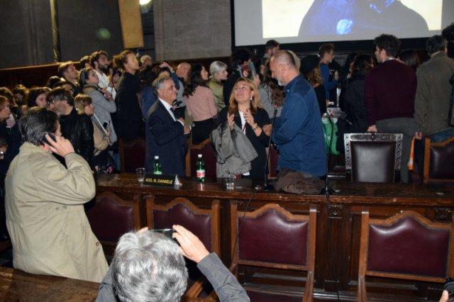 Napoli steve mccurry alla sala dei baroni per presentare for Mostra steve mccurry palermo