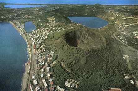 Napoli rischio eruzione campi flegrei tutta napoli a for Lago lucrino