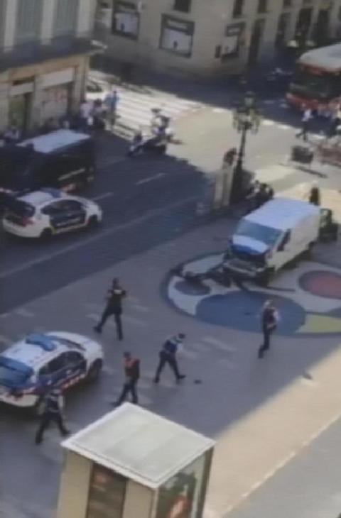Terrorismo i racconti dei napoletani a barcellona for Agosto a barcellona